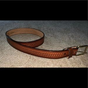 Women's  cowhide belt